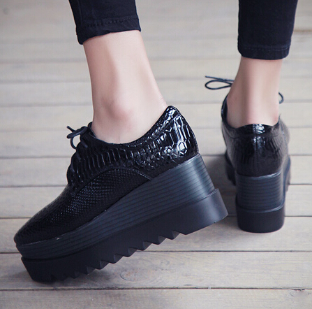 Casual Square Closed Toe Lace-up Platform Wedges H